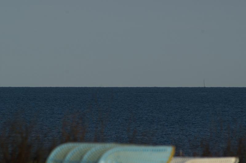 Der Fernsehturm ist bei kristallklarer Sicht von der Terrasse des Dünenrestaurants aus zu sehen.