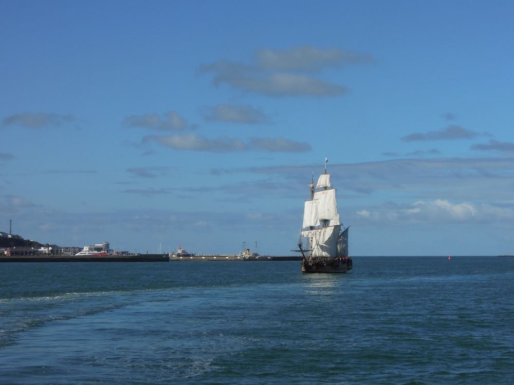 Russischer Nachbau der Fregatte Shtandart, getakelt als Vollschiff.