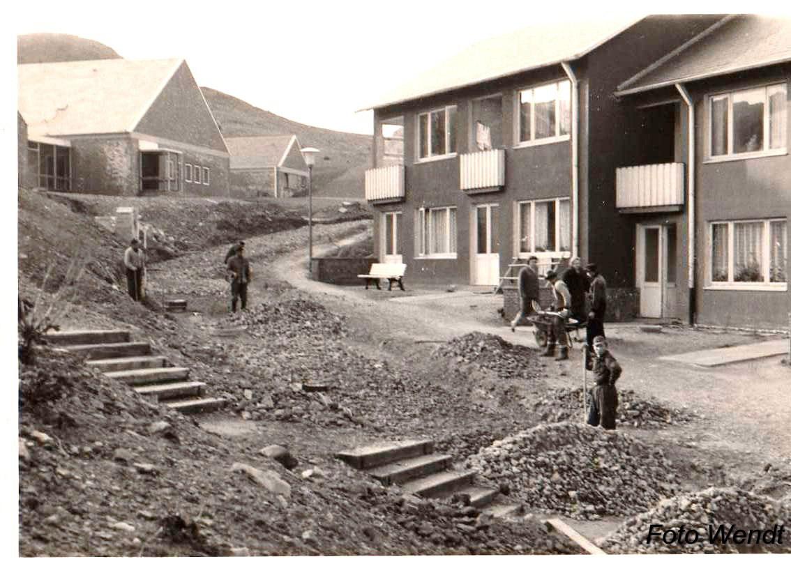 Bau des Invasorenpfads auf Helgoland auf einer Aufnahme von circa 1958.