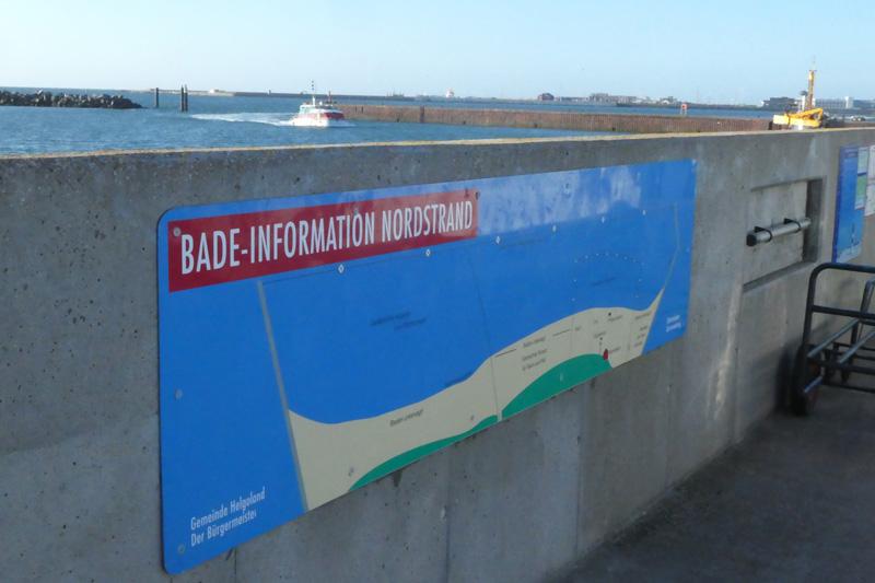 Die Bade-Information Nordstrand am Anleger auf der Düne.