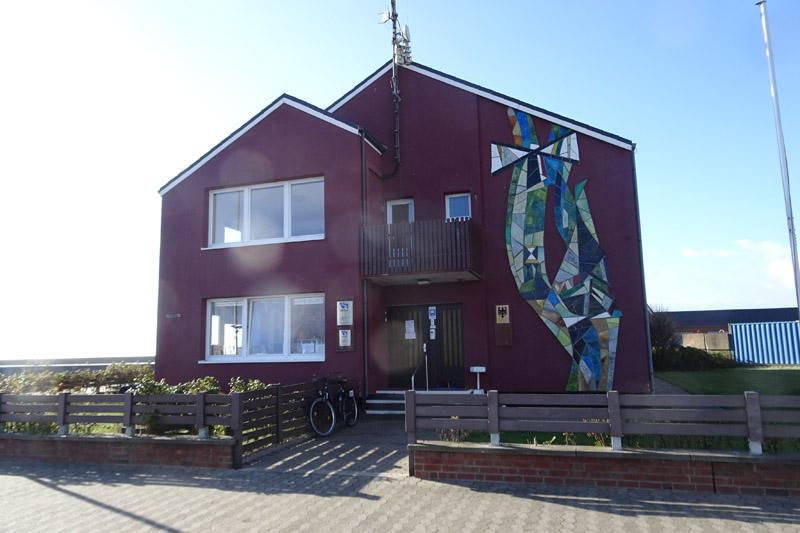 Die Wassrer- und Schifffahrtsverwaltung im Südhafen auf Helgoland.