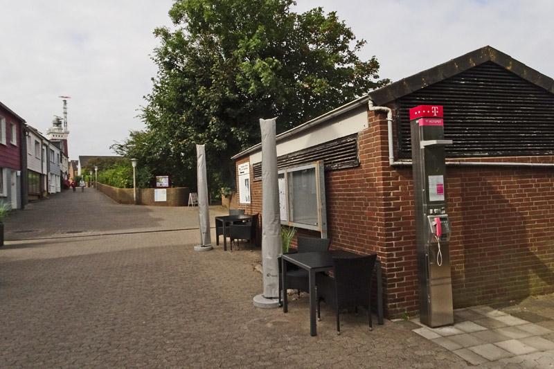 Kirchstraße in Höhe des Kindergartens Windstärke 12 auf Helgoland